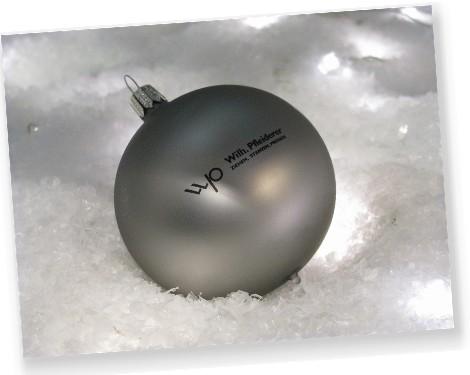 lasergravierte weihnachtskugeln aus glas. Black Bedroom Furniture Sets. Home Design Ideas